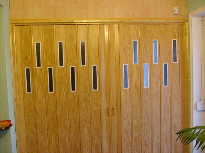 Harmonika és térelválasztó ajtók